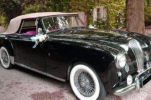 Location Aston Martin Lagonda